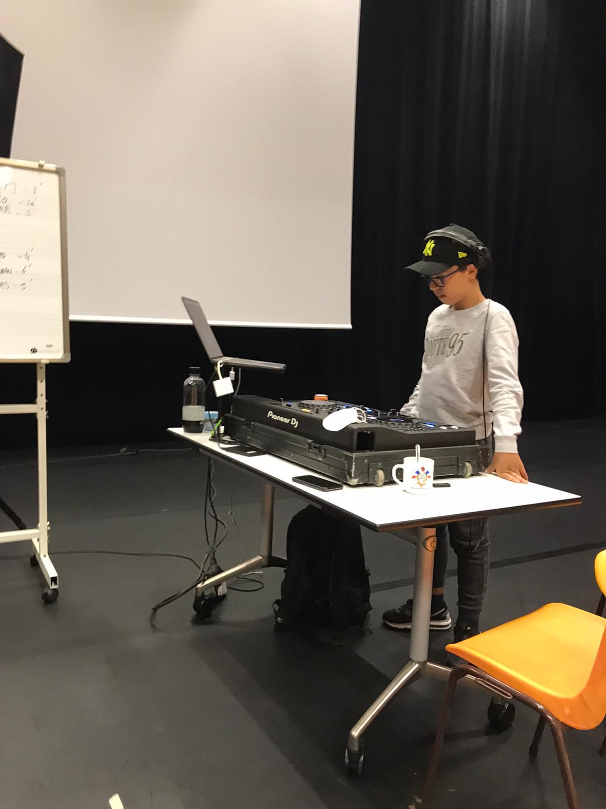 Initiation mixage avec un DJ 1